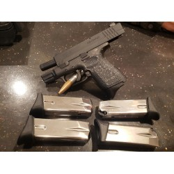 USED Springfield Armory SD 9mm w/5 10rd Mags - Like New
